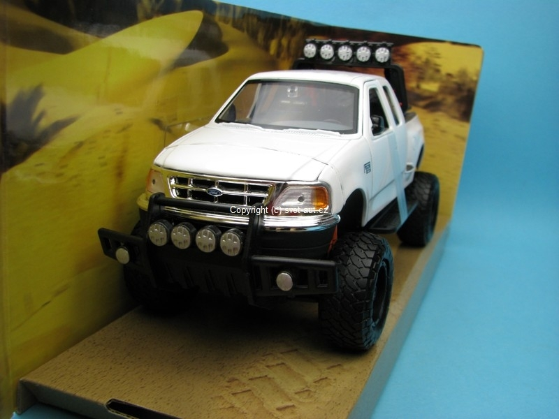 Ford F-150 XLT Flareside Supercab 2001 white 1:24 Motor Max